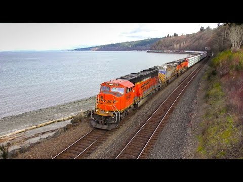 Seattle Carkeek Park and Waterfront Trains 4K