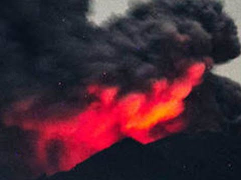 Indonesia Bali volcano: Larger, explosive eruption or Agung at current activity level for weeks