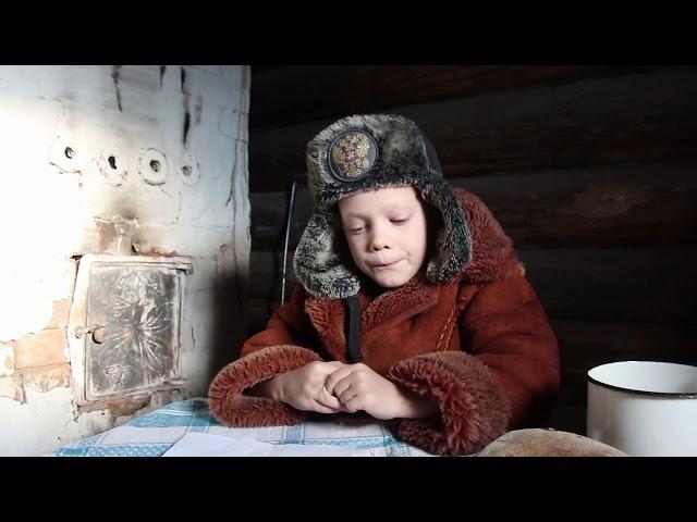 Изображение предпросмотра прочтения – МаркКрасноперов читает произведение «Лесной домик» В.А.Сухомлинского