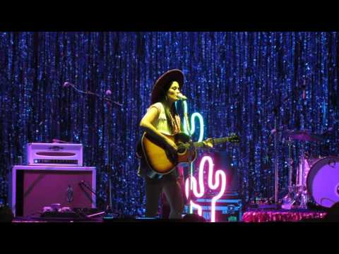 Kacey Musgraves - Merry Go 'Round (Dallas, TX September 30, 2016)