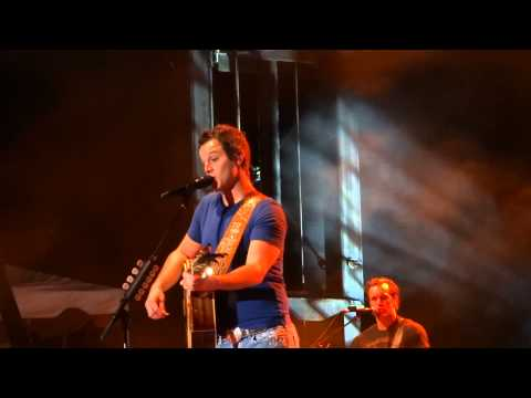 Easton Corbin - A Little More Country Than That (8/13/13)