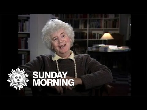 A Look into the Wondrous Life & Expansive Work of the Late Jan Morris, Who Wrote the Entire World