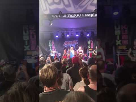 Rubix Kube playing Dexys Midnight Runners Come On Eileen at Musikfest 2018