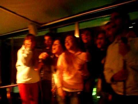 erasmus namur: karaoke venga boys!