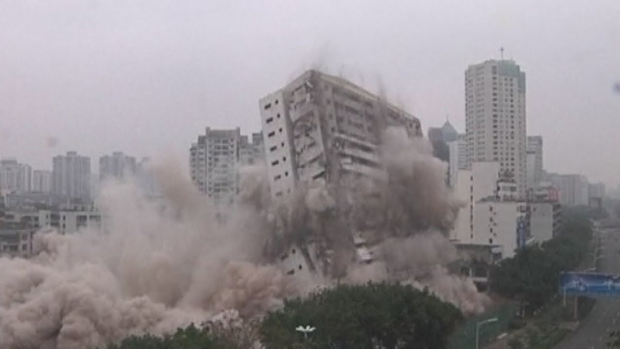 Huge explosion destroys Chinese building - YouTube