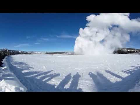 Old Faithful Geyser Eruption - Yellowstone National Park (360 Video)