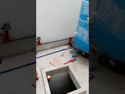 Bomba sumergible con tanque hidroneumatico thumbnail