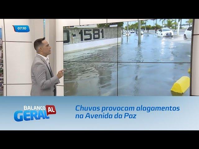 Fortes chuvas provocam alagamentos na Avenida da Paz