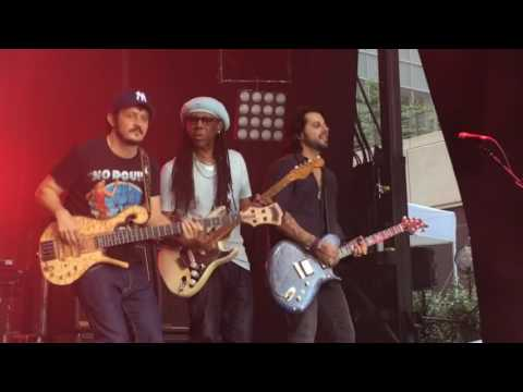 Blecaute - Live- Jota Quest ft. Nile Rodgers