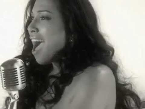 MELANIE FIONA-YOU STOP MY HEART (OFFICIAL VIDEO)