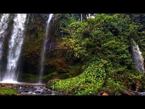 Mengunjungi Air Terjun Tirai di Datar Lebuay