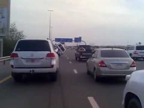 Dubai Shaikh Zayed Road 2 wheel driving stunt drivers arrest