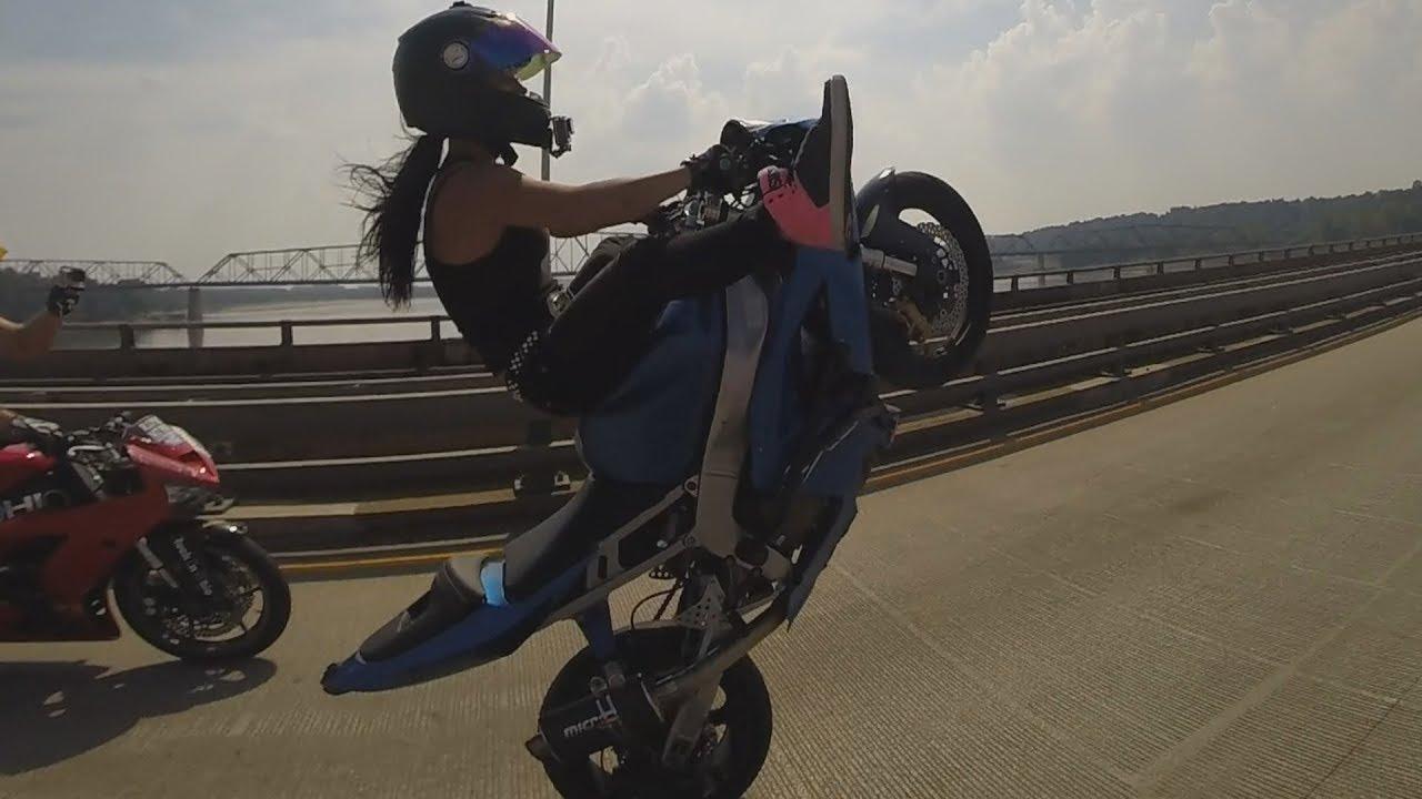 Motorrad frau mit Von Frau