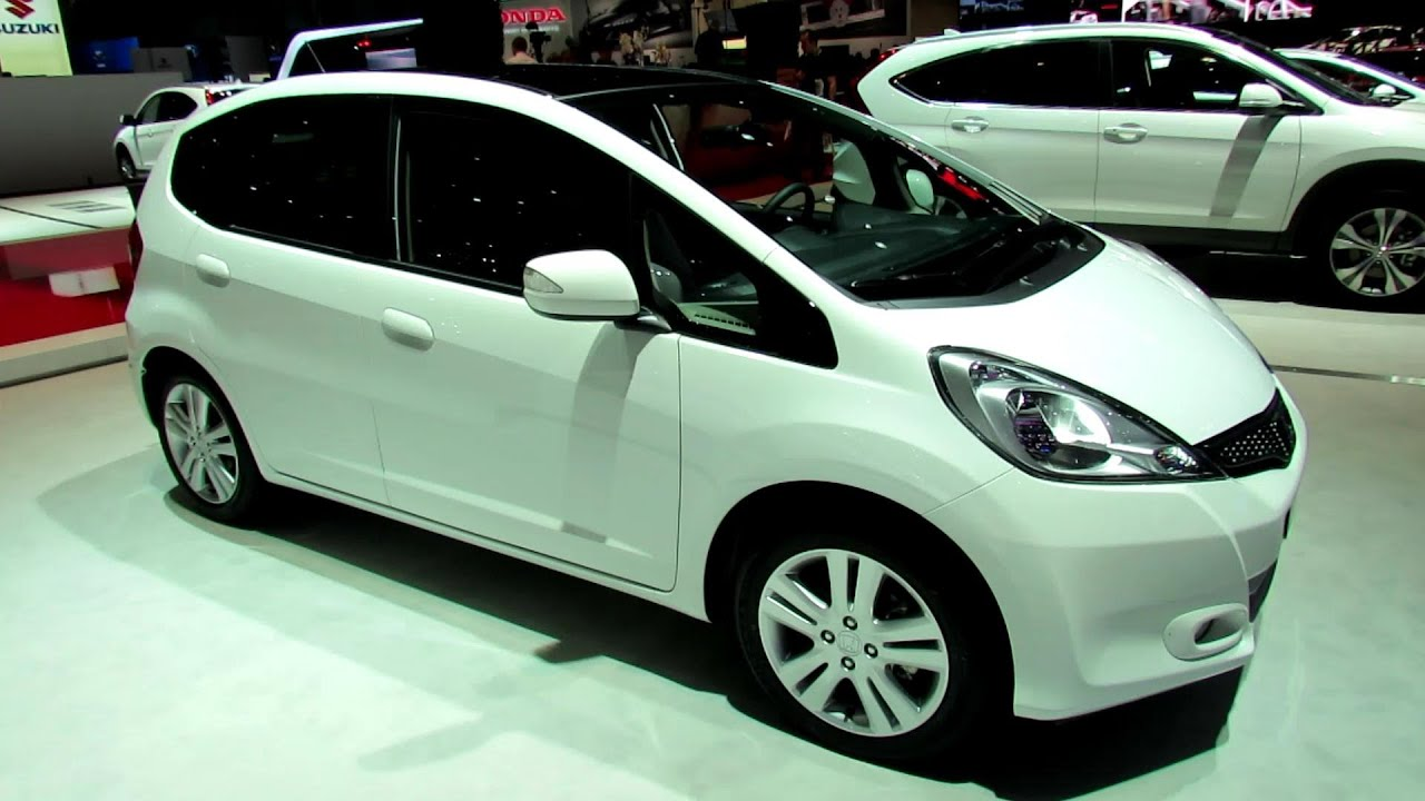 2014 honda jazz elegance exterior walkaround 2014 geneva motor show youtube. Black Bedroom Furniture Sets. Home Design Ideas