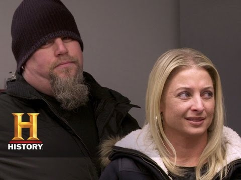 Download Big Rig Bounty Hunters: Shawn and Vince Call Out Big T and Bek (S2, E2) | History