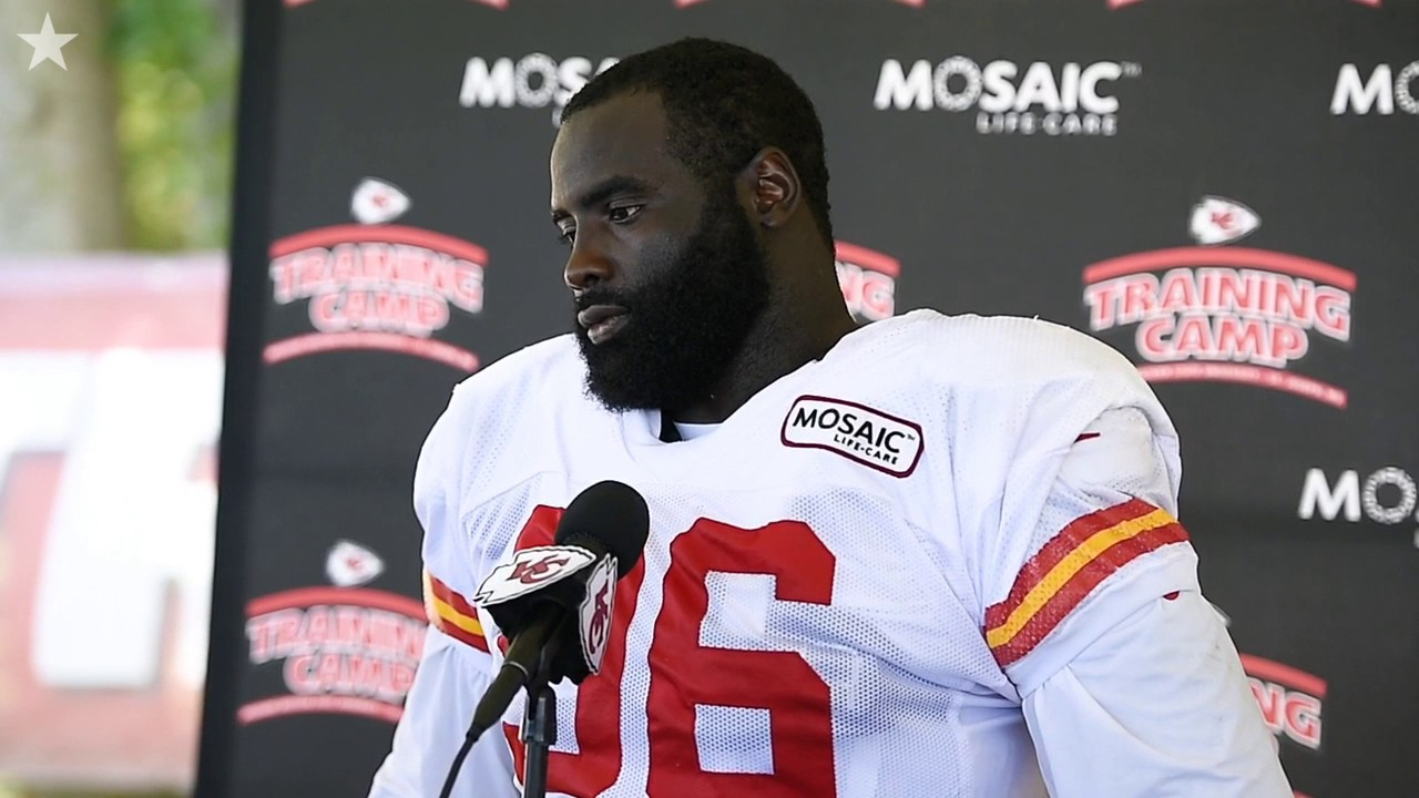 """Chiefs DT Bennie Logan """"I just try my best to embarrass the guy in"""