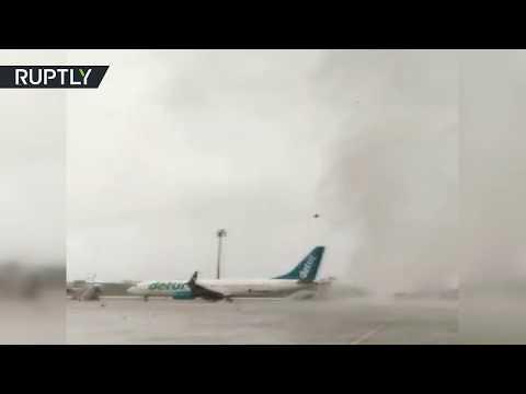Торнадо повредил два самолёта в аэропорту Антальи — видео