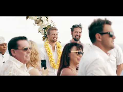 Luxury wedding and big party at the cliff in hotel, Bali, Island.