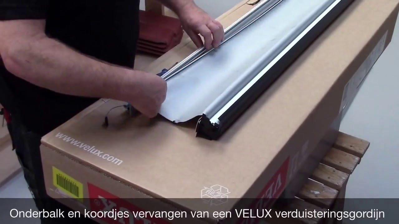 Velux Dakraam Gordijn : Velux onderbalk en koordjes vervangen van een