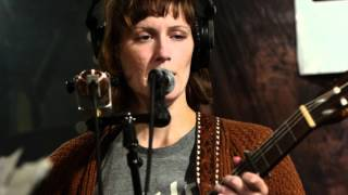 Laura Gibson - Skin, Warming Skin (Live on KEXP)