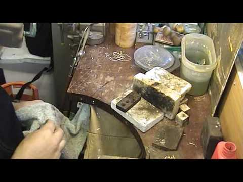 goldsmith at work repairing jewellery video 2