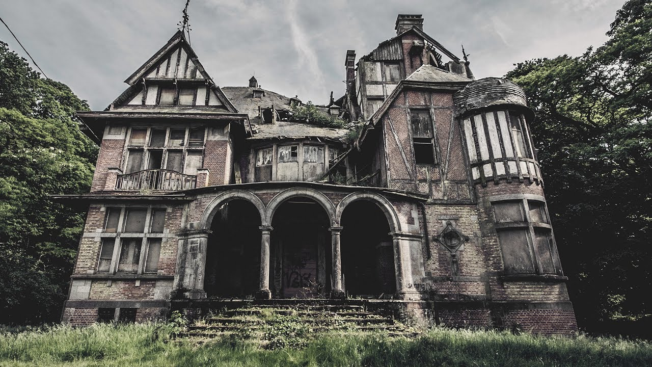 5a2d51182c71 ABANDONED MANSION HOUSE HIDDEN IN THE FOREST - YouTube