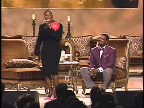 Juanita Bynum Threatens Husband Bishop Weeks With A Brick Exposing Charlatans