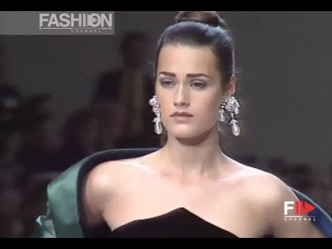 OSCAR DE LA RENTA Fall 1991/1992 New York - Fashion Channel