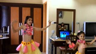 Charming Hawaiian Hula Dancers, extreme cuteness warning!