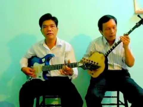 MINH THỚI guitar TRƯƠNG QUÂN sen ( song tau 2 LOP BINH BAN CHAN )