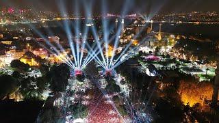 Cumhuriyet Bayramı 96. yıl coşkusunu Sultanahmet Meydanı'nda yaşıyoruz.