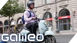 Schneller durch die Stadt mit E-Roller? Das große Verkehrs-Duell | Galileo | ProSieben