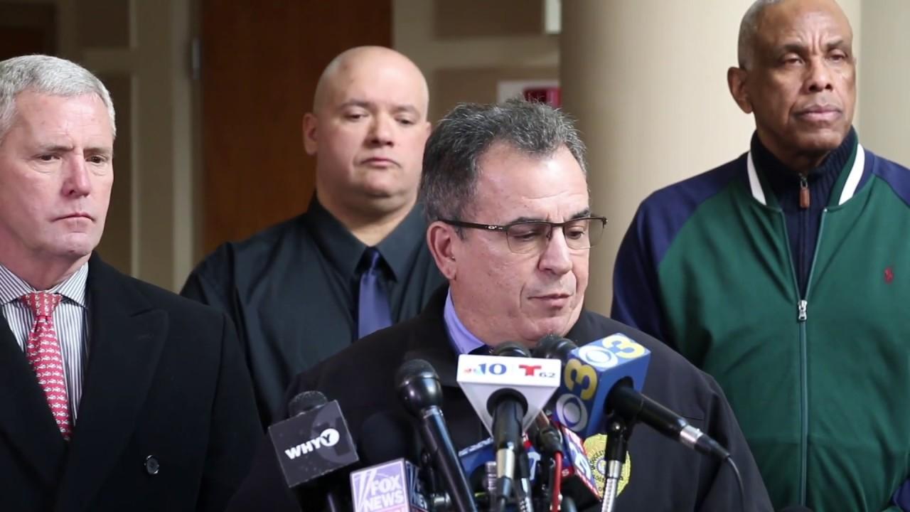 Gunman shot and killed, 2 hostages rescued after standoff