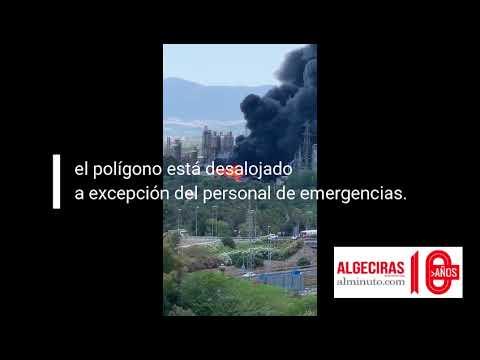 Nubes negras, incendio en Indorama, campo Gibraltar