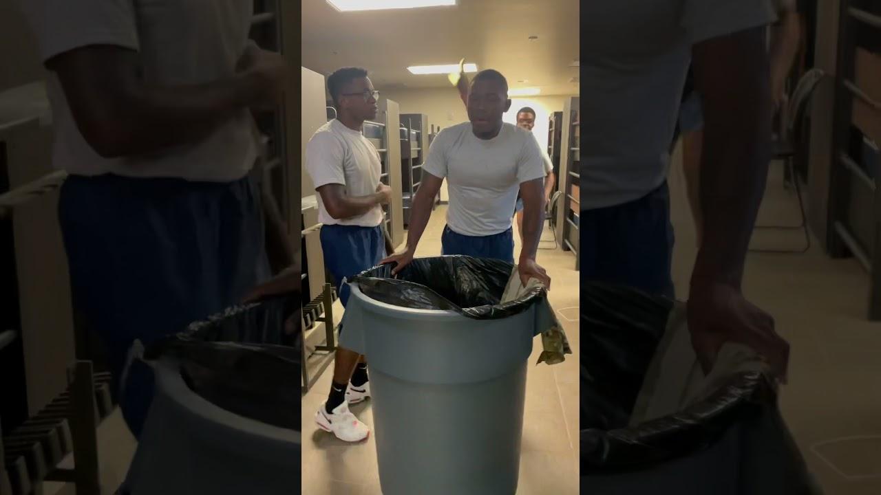 Laundry crew in basic training be like.