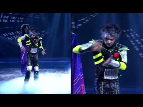 Robotic dance on Dance India Dance