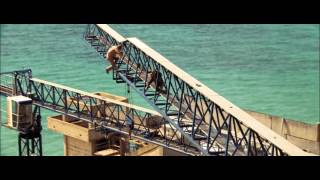 James Bond : Casino Royale (2006 ) - Poursuite sur le chantier