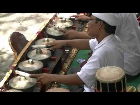 Gamelan Ubud, Bali 2010 HD