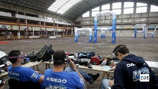 El Mercado de Ganados de Torrelavega se convierte en un circuito de carreras de drones
