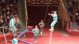 опасный номер цирк Никулина(зайдите на мой канал и посмотрите видео пожалуйста., 2013-05-05T15:37:26.000Z)