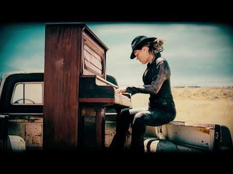 Beth Hart - Rub Me For Luck (War In My Mind)