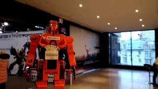 Нужны ли человечеству роботы, трансформеры, терминаторы? Ваше мнение? Kate BY.