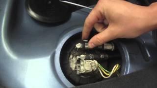 Peugeot 106 s16 : Comment démonter la pompe à essence