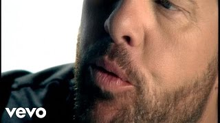 Toby Keith – Love Me If You Can Video Thumbnail