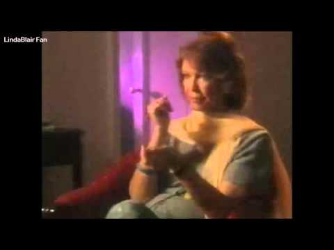 Ellen Burstyn Gives Linda Blair A Bracelet