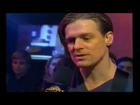 BRYAN ADAMS - LIVE & INTIMATE INTERVIEW