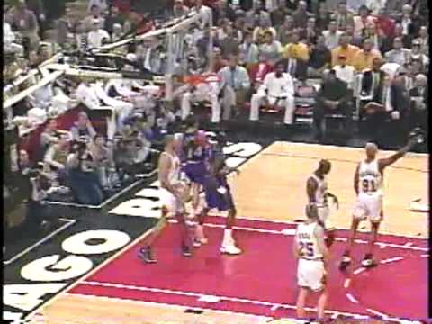 Bulls vs Jazz 1997 - Game 2 - Michael Jordan 38 points