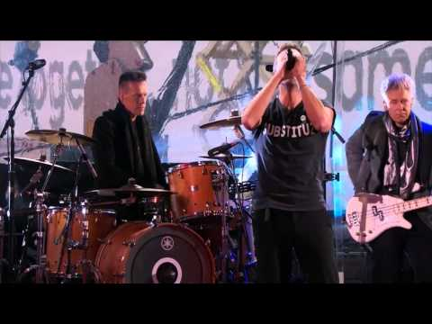 U2 whit Bruce Springsteen and Chris Martin   Live In Times Square