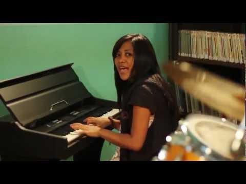 Tarika Myora - Mahaiza manomana-