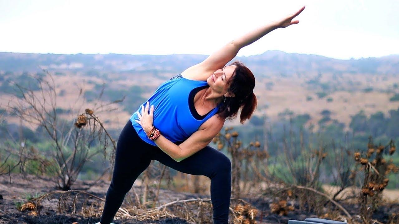 40 Minute Total Body Yoga Workout (Intermediate